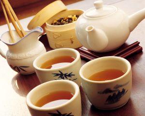 Uống trà shan tuyết
